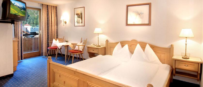 Alpenhotel Kramerwirt, Mayrhofen, Austria - Bedroom.jpg